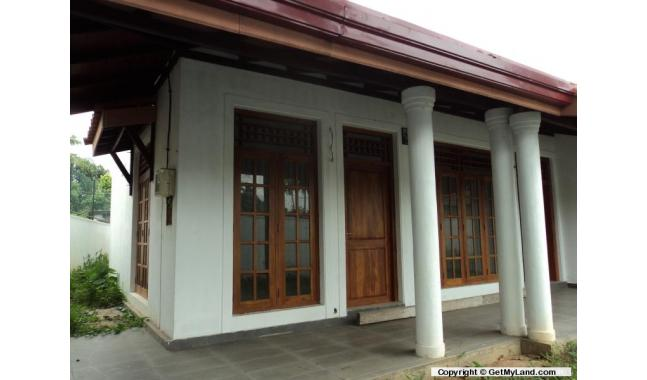 GetMyLandcom Land with house for Sale in Hikkaduwa Ideal